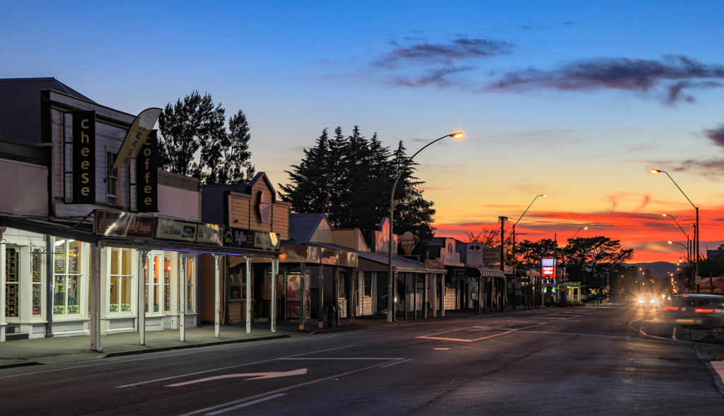 FEATHERSTON Main Street EARLY IN THE MORNING